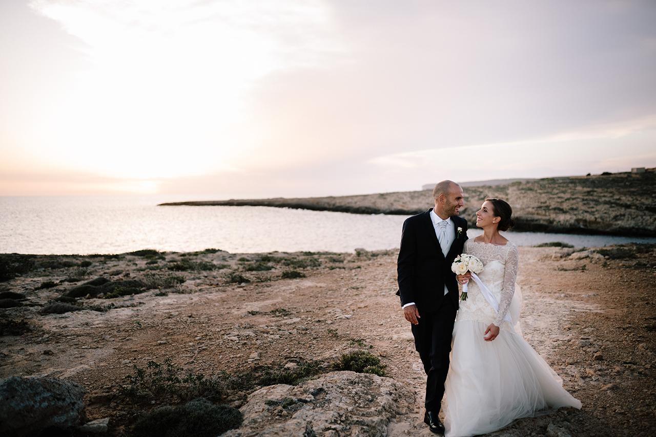 Foto di matrimonio in spiaggia a Lampedusa
